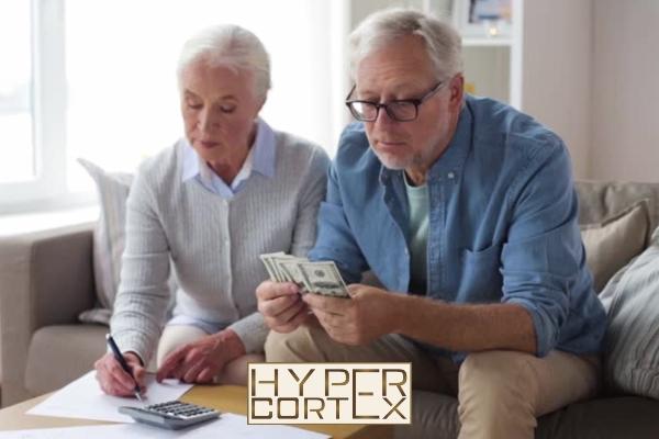 Hogyan kell fizetni egy nyugdíjasnak a járulékot olyan megbízási jogviszonyban, amely 2020. július 1. előtt kezdődött, de folytatólagosan tart?